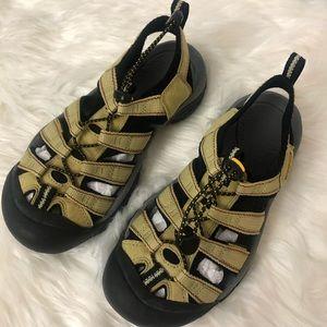 Keen Waterproof Whispering Sandals Sz 7.5